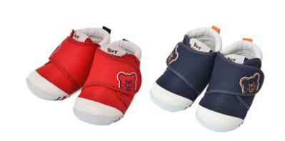 Starchild婴儿学步鞋属于萌系路线嘛?防滑吗?