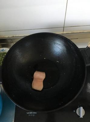 本库2代铁锅粘锅吗?电磁炉可以用吗?