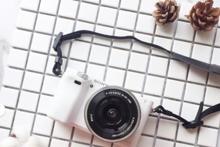 索尼a6000数码相机和松下gf9哪个好?有哪些优势?