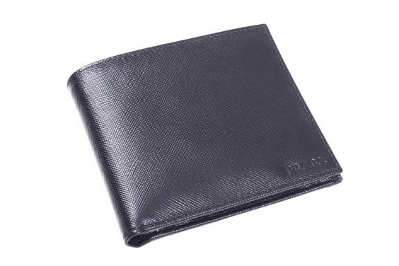男士钱包什么款式好?普拉达Prada男士短款钱包好吗?