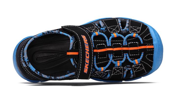 童鞋品牌哪个好?安踏毛毛虫和斯凯奇Skechers童鞋那个好?