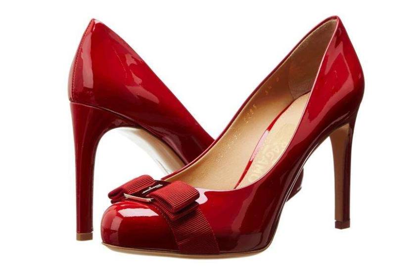 菲拉格慕女鞋尺码?磨脚吗?