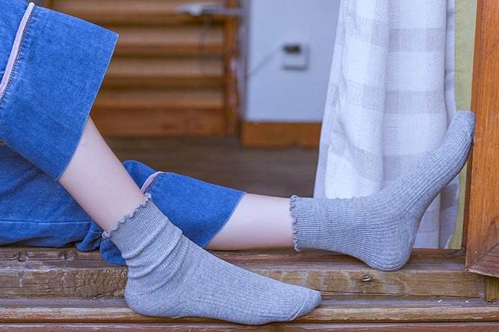 男士袜子哪个品牌好?MKMJ男士袜子穿着臭脚吗?