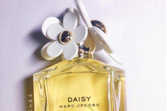 MARC JACOBS DAISY小雏菊香水香调如何?香味淡吗?