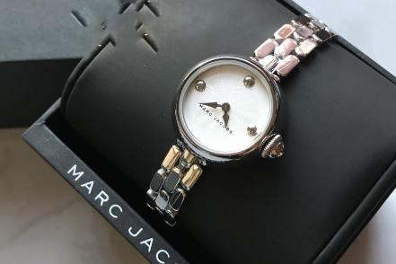 Marc Jacobs时髦女表设计感如何?是小表盘吗?