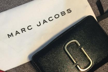 Marc Jacobs短款钱包质量好吗?方便使用吗?