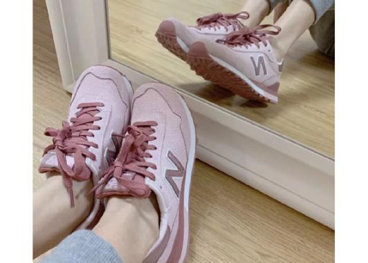 什么样的鞋子百搭?运动鞋怎么样?