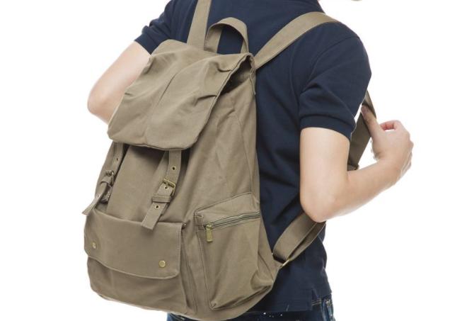 男士双肩包搭配要注意这4个误区