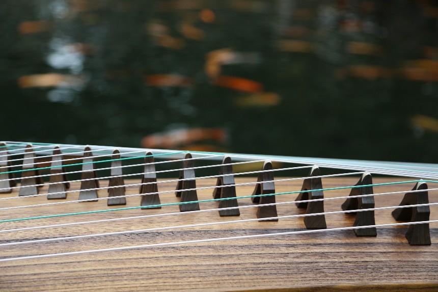 古筝初学者应该如何挑选适合自己的古筝