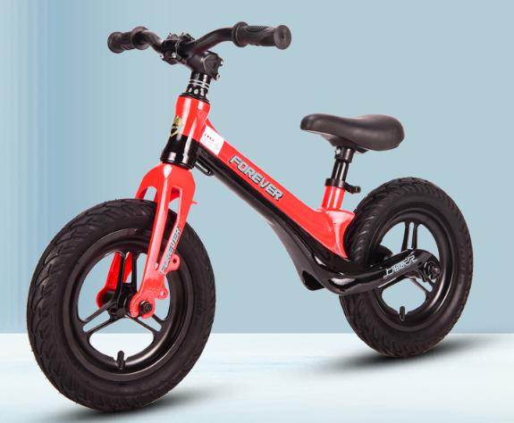 带娃不累神器 儿童平衡车值得看看