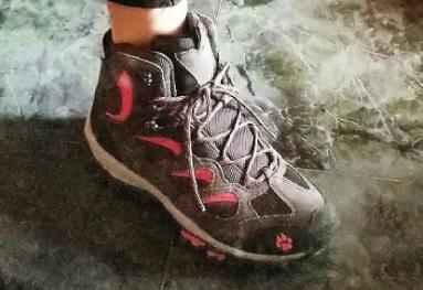 狼爪登山鞋怎么样?穿着舒服吗?