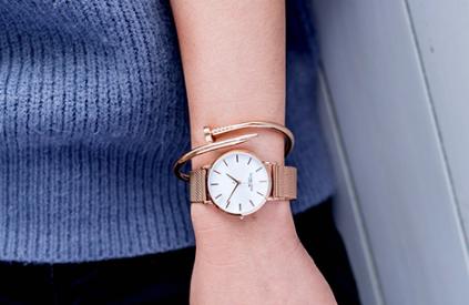 维多利亚手表是名牌吗?维多利亚手表好搭配吗?