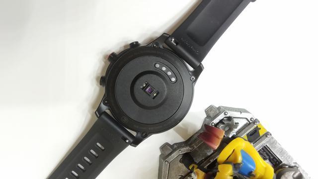 手腕上的智能手机?中国移动智能手表W10体验