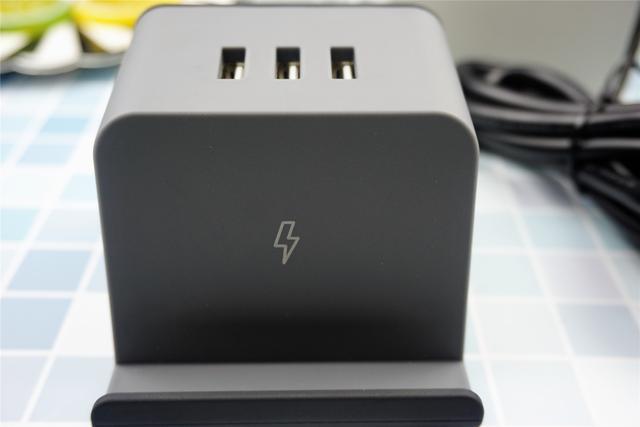 爱国者无线充插座开箱分享:双组合孔+3USB,无线充是亮点