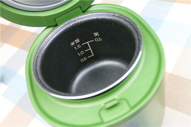 炖一锅莲藕玉米排骨汤,一个人的生活也可以丰富多彩